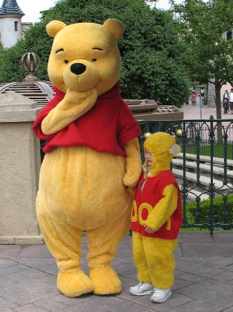 cr&eacute;ations du costume de Winnie pour rendre visite a mon amis Winnie de Paris.<br />