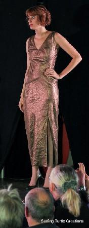 Robe longue en lin haute-couture coloris bronze
