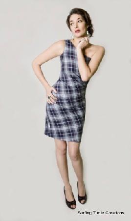 Robe en tartan stretch asymétrique