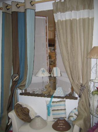 Double rideau lin à rayures tête rapportée, voile de lin appiécement encadré par 2 jour Venise