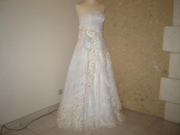 robe de mariage en Organza et broderie or marron