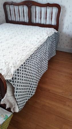 dessus de lit au crochet ,ajout pan sur le coté