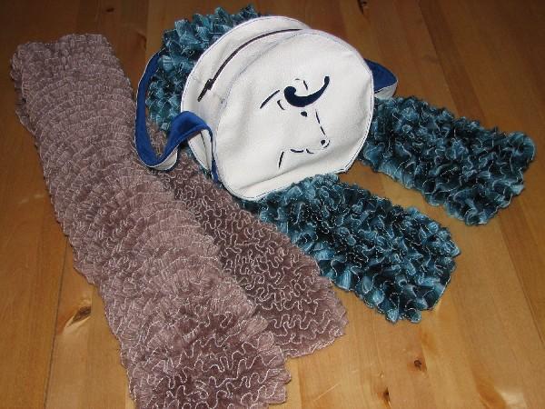 Sac en cuir et velours, thème Course Landaise, exemple d'écharpes