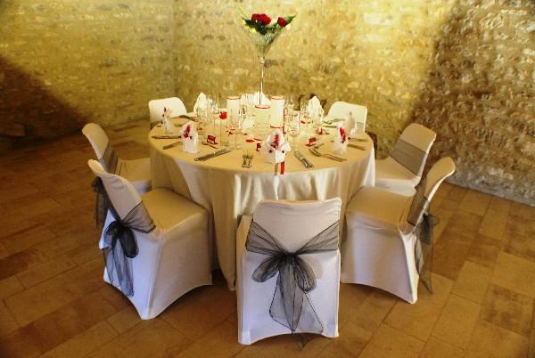 Décoration de tables pour une cérémonie