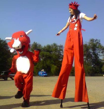 Mascottes et costumes pour la Vache Qui Rit, caravane du tour de France