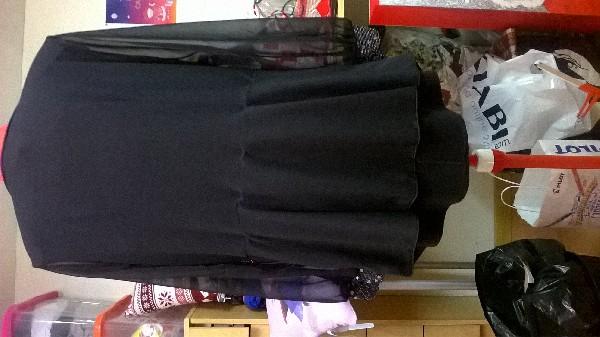 Retouches divers en habillements (ourlets pantalons, veste...fermetures à glissières, rétrécissement/ élargissements tailles....
